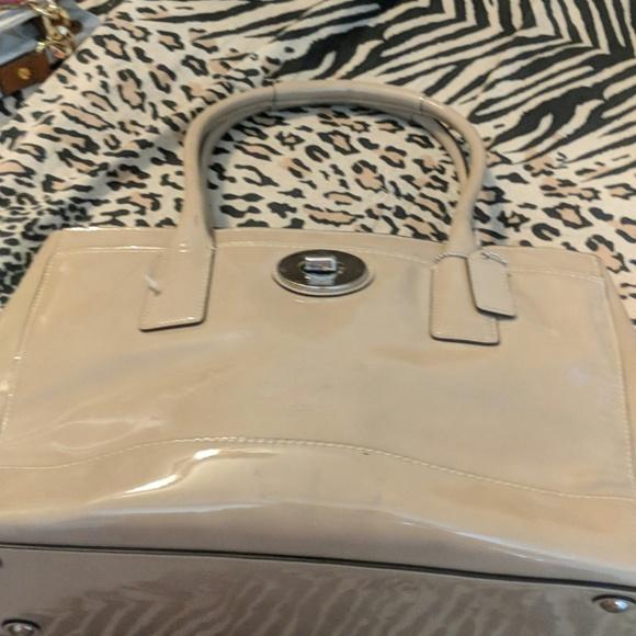 3565b673bd44 Coach Bags